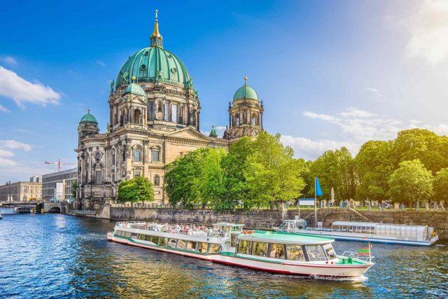 https://www.trekcentralnepal.com/wp-content/uploads/2018/09/destination-berlin-02-640x427.jpg