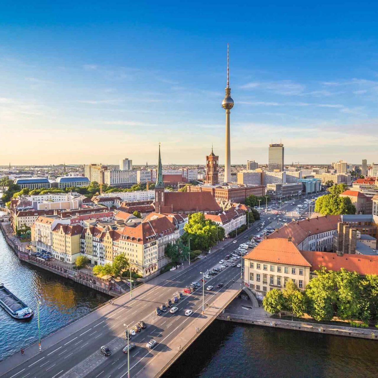 https://www.trekcentralnepal.com/wp-content/uploads/2018/09/destination-berlin-05-1280x1280.jpg